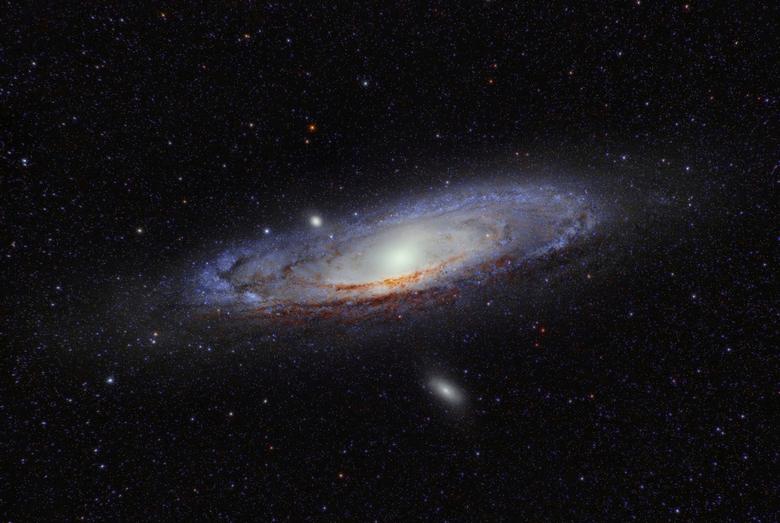 Andromeda Galaxy - Gemaakt met mijn Nikon D7100 en Nikon 300mm f/2.8 telelens.<br /> Ik heb gebruik gemaakt van een startracker die als het ware mee