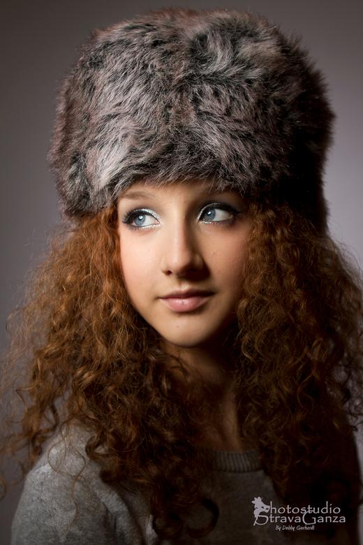 Romy - portret van meisje in winterkleding