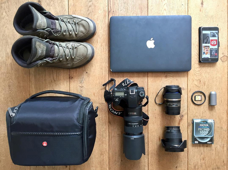 Flatlay   - sony_challenge@zoomnl #expertuitdaging #flatlay #zoomuitdaging #sony #sonyalpha #sonya77ii #macbookpro #manfrotto #lowa | visit sonychalle