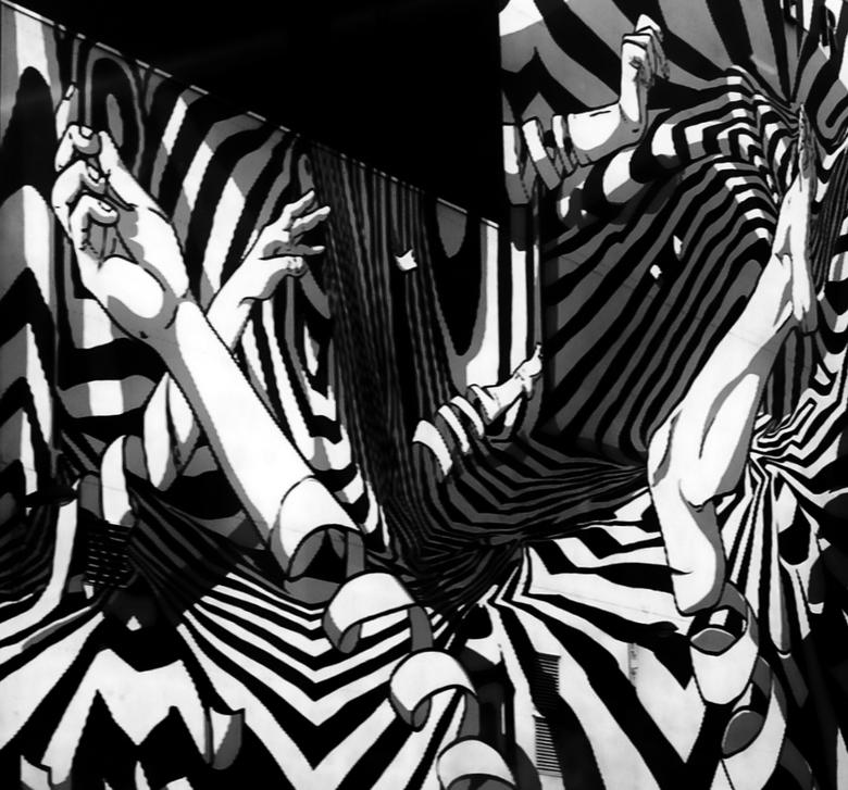 met Handen en Voeten - de zijkant van een dans theater<br /> <br /> uit de tram genomen<br /> <br /> <br /> fuij 18  mm f 2.0