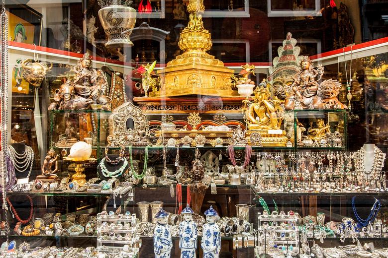 """Indian shop - Na zo'n overdosis ZW als contradictie deze opname van een nogal """"drukke"""" en kleurige Indiaanse shop. Ikzelf wist ook even"""