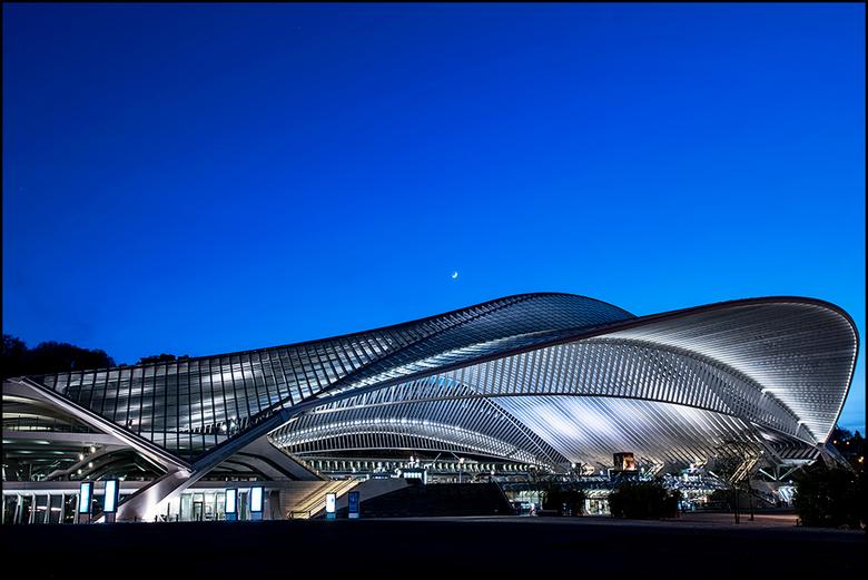 Guillemins 01 - Een van de meest vernieuwende stations van België is toch wel centraal station Guilemin in Luik, ontworpen door de Spaanse architect S
