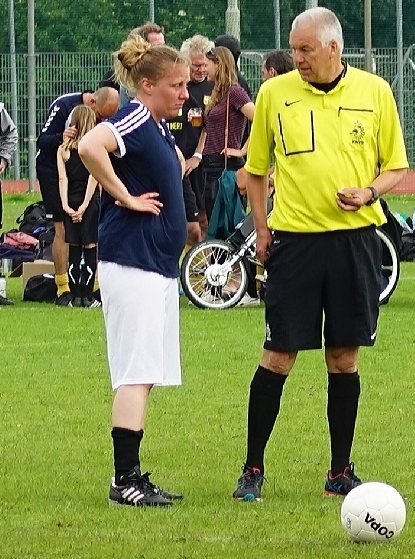 20190615_203723Roelof Luinge toss vrouwenfinale soccerrocker tournament  - Roelof Luinge toss vrouwenfinale penalty <br /> Shoot out soccerrocker tou