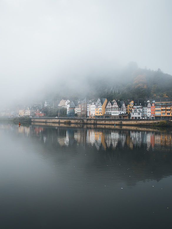 Rise and shine. - Waking up at 4:30 to enjoy sunrise, or better fogrise, at Cochem.