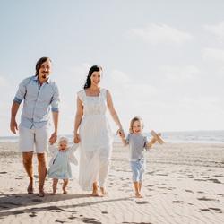 familie-strand-zee-zomer