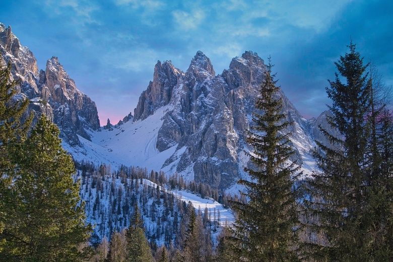 Dolomite Dream - The 2018 winter, we went to  Val Pusteria, Dolomites. Our location was perfect for some of the most iconic places on the Dolomites. T