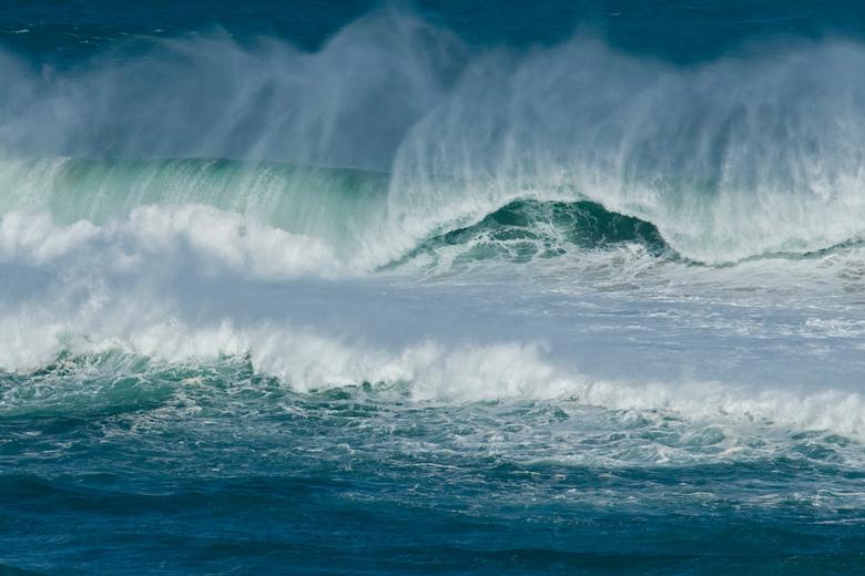 Branding 1 - Ook deze foto maakte ik aan de Costa Vicentina in Portugal. De zee heeft veel gezichten. Nu eens kalm en lieflijk dan weer woest, zoals o