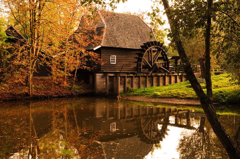 Genneper watermolen - De Genneper watermolen in Eindhoven.<br /> (In november 1884 geschilderd door Vincent van Gogh)
