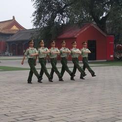 soldaten aan het oefenen