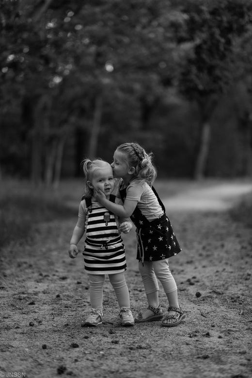 Isabelle & Sophie -