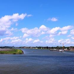 Foto vanaf de Alblasserdamse brug.....
