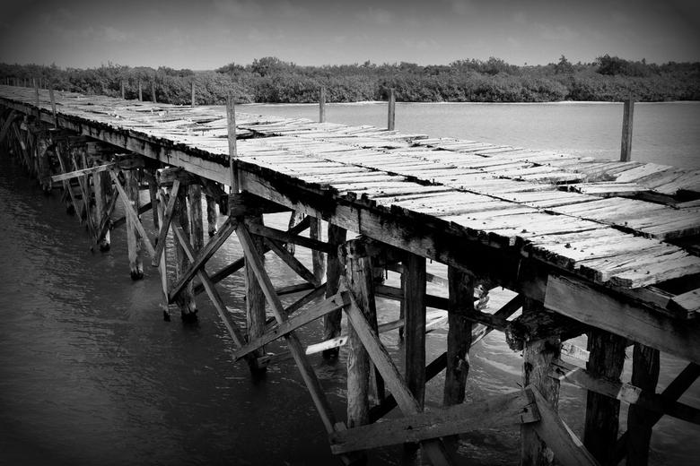 bridge - oude brug in natuurreservaat Sian K'Han in Yucatan