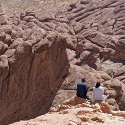 Rode rotsen in Dades Vallei