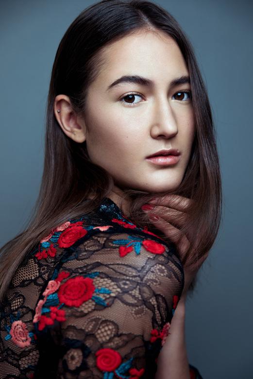 Roses - Model: Jessica Koeman<br /> Agency: Jenphia Models<br /> Muah: Michelle v. Altena
