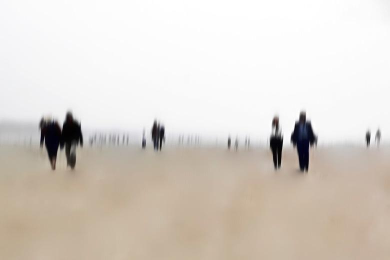 Zombies on the beach ... - Bedankt voor de geweldige reactie&#039;s op de vorige foto&#039;s.<br /> <br /> Vergroot kijkt veel beter ...Zombies on t