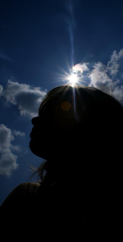 Zomer - Het silhouette ben ik zelf. De zon doet de rest!