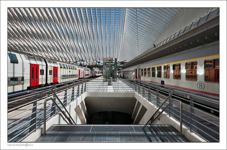 Luik-2-27 - Jawel er komen weleens treinen binnen.<br /> Toch wel.