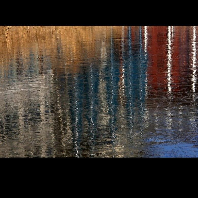 Reflectie V (versie 2) - Mede naar aanleiding van een aantal opmerkingen bij de oorspronkelijke upload en om het meer in lijn te brengen met de nummer