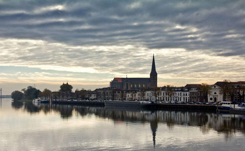 IJsselkade Kampen - Nog één foto uit mijn serie over Kampen,<br /> Ben zo tevreden over die dag dat ik hier aan het fotograferen was,<br /> <br />