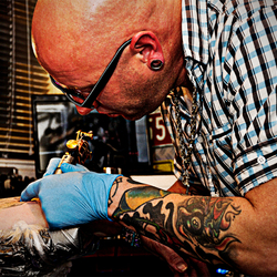 Tattoo artist @ work