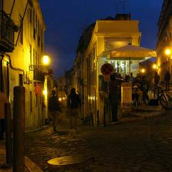 Straatje in Lissabon Portugal