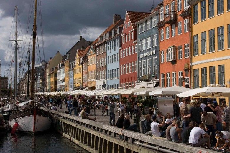Nyhavn, Kopenhagen - Nogmaals de Nyhaven, maar nu van de andere kant gezien.