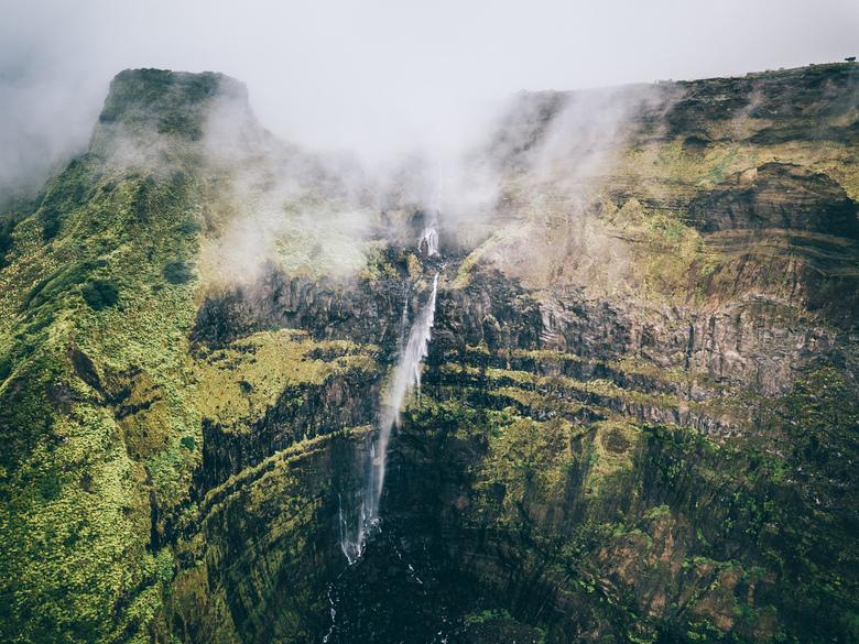 Ribeira Grande - Prachtig zicht op een van de hoogste watervallen van de Azoren. De Ribeira Grande op Flores.<br /> <br /> Volg me gerust op:<br />