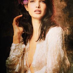 Zoi met bloemen in heur haar