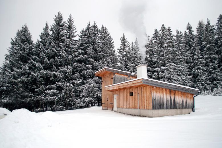 Warmte voorzienings ruimte - Middels dit 'hok' wordt een geheel dorp op biologische wijze (verbranding van houtsnippers) voorzien van warmte