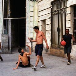 Cubaans straatbasketbal