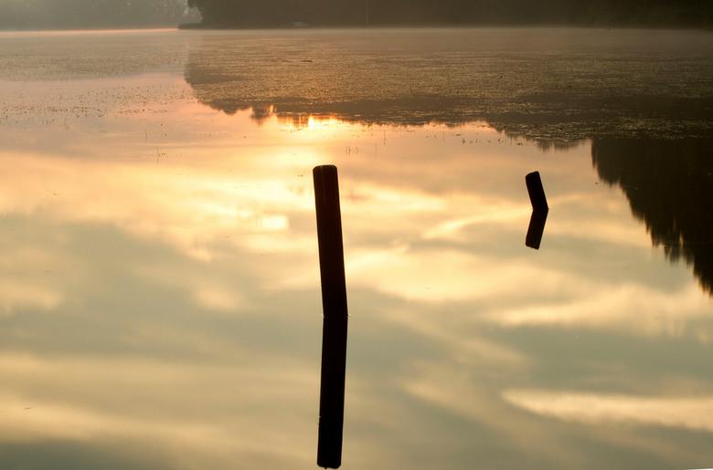 ochtendzon - Aanleg voor vissersbootjes