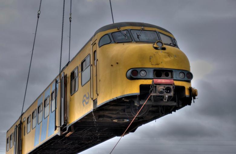 Flying Dutchtrain - MAT`64 Hoog in de lucht... Onderweg naar z`n laatste rustplaats...