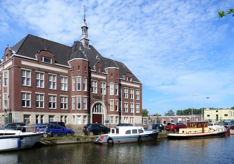 P1450944 Zomers Delft nr17 Hoofdgebouw Gist en Spiritus fabriek 6 juli 2017