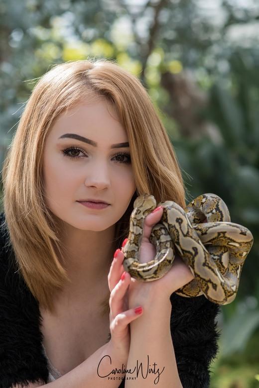 The snake - Model: Anne-Marie Schipper