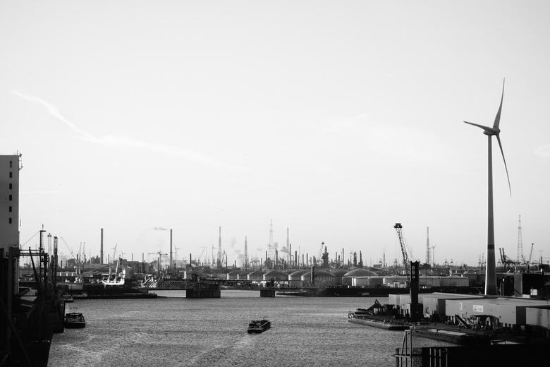 Haven van Antwerpen - Zicht op de haven van Antwerpen vanuit het Havenhuis.