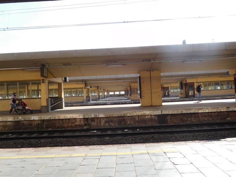 brussel noord - 16 perrons, drukste station van Belgie