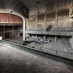 Theater/cinema 4