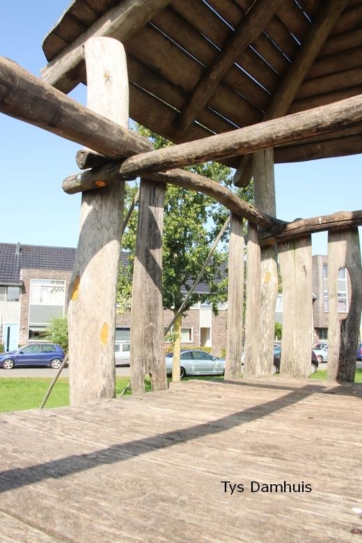 tys damhuis straat beeld 23-09  (98) - van uit een speeltuin gemaakt. door tys damhuis