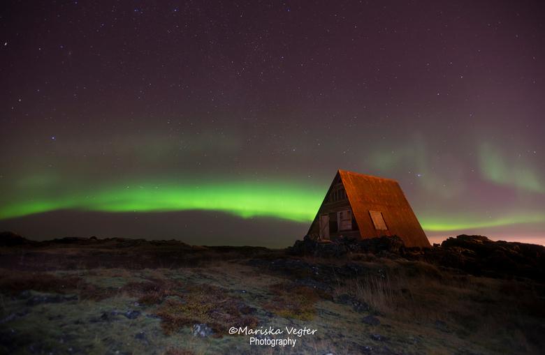 Enjoying the silence - De tweede keer Noorderlicht tijdens de fotoreis/workshop Ice &amp; Aurora. <br /> <br /> Boek nu de Zomerreis naar IJsland! L