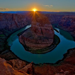 sunset at horse shoe bend