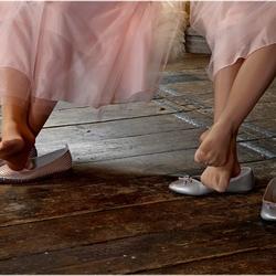 Bruidsmeisjes kregen zere tenen....