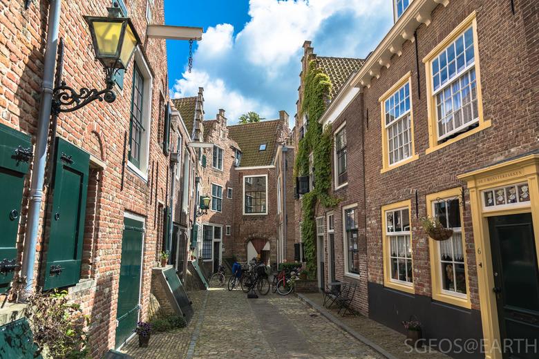 Pittoresk Middelburg - Prachtige historische stad - Middelburg.<br /> Kuiperspoort nabij muziekschool.