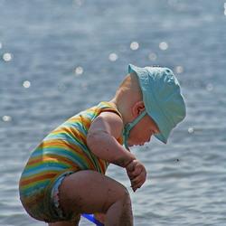 Zand, water en een schepje