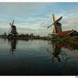 In Holland staat een molen
