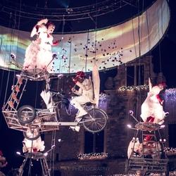 Alle acrobaten samen
