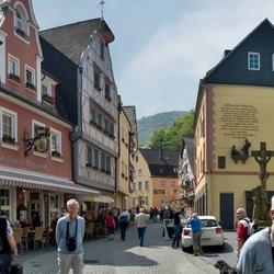 Een pleintje in BernKastel, foto 1.