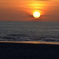 Zonsondergang Nieuwpoort 01 april 2012