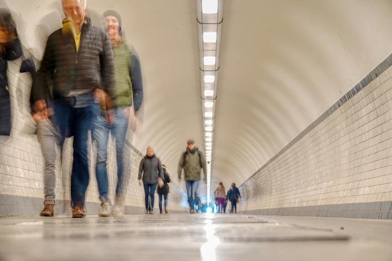 Tunnel - Op het einde van de St Anneke tunnel in Antwerpen