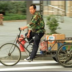 ouderwets transport in hypermodern Shanghai