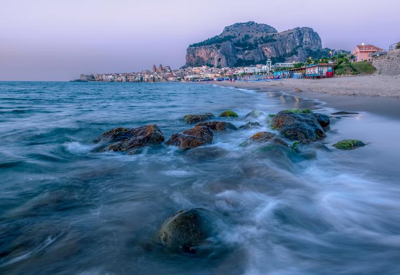 Cefalù on the rocks - Cefalù op Sicilië tijdens zonsondergang.<br /> Groet, Djurre